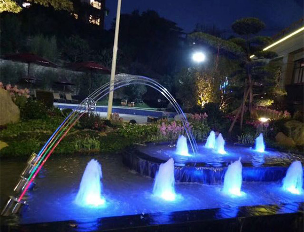 喷泉厂家解读喷泉灯光的发展史