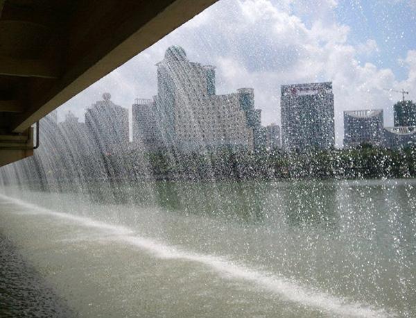 喷泉厂家介绍水景喷泉的重要性
